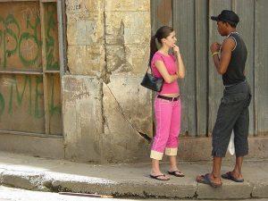 draguer-une-femme-dans-la-rue